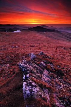 Godeanu by Serban Simbotelecan Mountain Hiking, Romania, Trekking, Photographs, Celestial, Mountains, Sunset, Awesome, Places