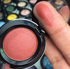 nyx hot singles eyeshadow in heat