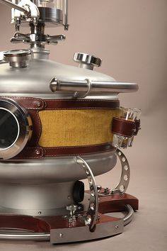 Купить современный элитный самогонный аппарат премиум класса OMD-30: фото от Distillers Whiskey Distillery, Brewery, Beer Brewing, Home Brewing, Moonshine Still, Illustrations And Posters, Espresso Machine, Kettle, Steampunk