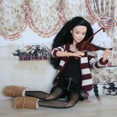 Made to Move by Irina Kopilova #barbie #barbiedoll #barbiefashion #barbiecollector #barbiephoto #diorama #doll #dollgram #dollcollector #instadolls #instabarbie #collectiondoll #barbiephoto #dollphotography #toys #toyphotography
