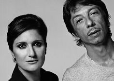 Maria Grazia Chiuri e Pier Paolo Piccioli são os diretores de criação da Valentino desde outubro de 2008, mas trabalham para a marca desde 1999.