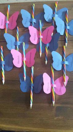 Einschulung – Presents for kids Valentine Cards To Make, Valentine Crafts For Kids, Mothers Day Crafts, Valentines Diy, Valentines Presents, Kids Crafts, Crafts For Kids To Make, Art For Kids, Valentines Bricolage
