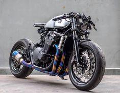 ✔️💯👉🏻For Conversion Contact 🔥🔥🔥 Honda Super Four Cafe Racer Moto, Cafe Racing, Custom Cafe Racer, Cafe Racer Bikes, Moto Bike, Motorcycle Bike, Retro Bikes, Cool Motorcycles, Vintage Motorcycles