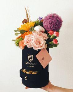 Thanks ❤️ @ates_beyzaa  #flowerbox #surprise #luxurybox #justflowerch #justforyou #fromyou #geschenkideen #freshflowers Flower Boxes, Fresh Flowers, Just For You, Gifts, Instagram, Ideas, Diy Crafts, Window Boxes, Presents