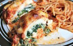 La mejor receta de pollo relleno de espinacas, tocino y queso que en esta receta de pollo relleno es perfecta.