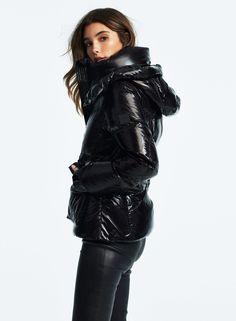 JETSET Caviar Women's Jackets, Jackets For Women, Down Suit, Trendy Fashion, Womens Fashion, Black Puffer, Puffy Jacket, Rain Wear, Fashion Branding