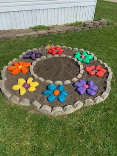 Yard Art Crafts, Plant Crafts, Flower Pot Crafts, Fairy Crafts, Diy Arts And Crafts, Painted Garden Rocks, Painted Rocks Craft, Rock Painting Patterns, Rock Painting Designs