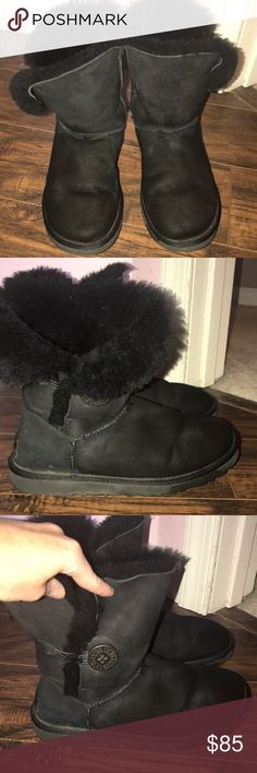Bailey Button II Uggs Women's Bailey Button II. Short black Uggs with cute button detail on the side. Size 6 and can be folded down if desired (as shown in stock photo.) They come from a smoke free, pet free home. UGG Shoes Winter & Rain Boots