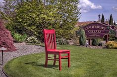 The Carlton Inn Bed & Breakfast Carlton, OR April 8-14th, 2015 The Red Chair arrived at the charming Carlton Inn Bed and Breakfast located in Carlton Oregon, or otherwise known as the Wine Capitol of Oregon, on a beautiful day just in time to enjoy Spring on the Northern West Coast. Over the next week Red enjoyed visiting the local downtown area, posing in front of the old train depot and enjoying the delicious wines at Ken Wright's Tasting Room, which was just recently featured in Wine…