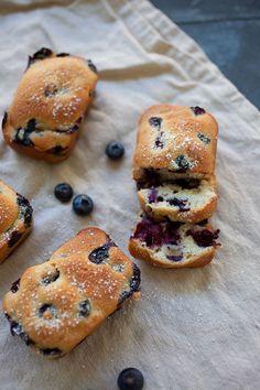 Mini Blueberry Cake | http://rasamalaysia.com