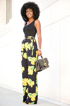 Estampa floral no office look - Guita Moda Classy Casual, Classy Outfits, Chic Outfits, Fashion Outfits, Womens Fashion, Office Looks, Printed Pants, African Dress, Urban Fashion