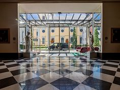 Living Hotel De Medici, Dusseldorf (GER) Photographer: © Sebastian Drolshagen The glass sliding doors ST FLEX open in the lobby to a wide portal. The works of art do not only decorate the lobby but are also part of the building. #STFLEX #architecture #design #building #ArchitectureDesign #Smartandsecureaccesssolutions #TrustedAccess #dormakaba
