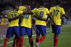 Los jugadores no rompieron filas ante el error de las autoridades. (Foto: EFE)