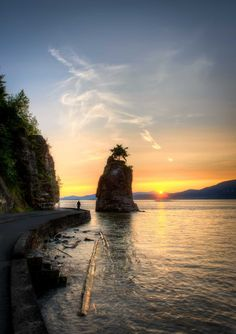 Vancouver Stanley Park, Siwash Rock at Sunset.