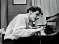 Glenn Gould: complete Bach recordings - YouTube