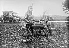 FN four mc Age of Diesel Old Cycle, Vintage Motorcycles, Sport, Historical Photos, Military Vehicles, Motorbikes, Diesel, Images, Black And White