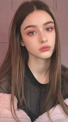 aesthetic makeup ulzzang Beautiful Girl like Fashition Kawaii Makeup, Pink Makeup, Girls Makeup, Hair Makeup, Soft Makeup, Doll Eye Makeup, Burgundy Makeup, Flower Makeup, Yellow Makeup