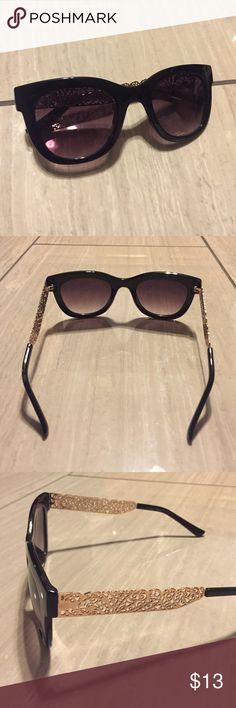 ALDO Black and gold sunglasses ALDO Black and gold sunglasses Aldo Accessories Sunglasses