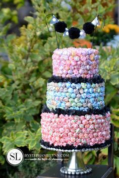 Dum Dum Lollipop Cake - How to make an Allergy Free Birthday Cake Alternative - #MakeitFunCrafts