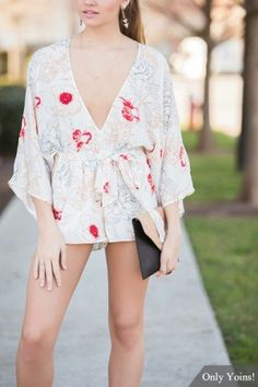 Floral Print V Neck Flared Sleeve Playsuit with Self-tie