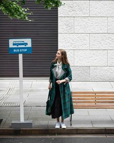 "FUDGE / ファッジ on Instagram: ""‣ See By Chloé at the bus stop 《シーバイクロエ》いつものバス停で . ✐ 毎朝、同じ時間にバス停で見かける彼女は、都会的な《シーバイクロエ》のピースを愛らしく纏う。…"" Bus Stop, Duster Coat, Dresses, Style, Instagram, Fashion, Vestidos, Swag, Moda"
