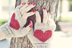 Ravelry: Heart Fingerless Mittens pattern by Wasel Wasel.  In Spanish only as of May 9, 2014 but the author promises an English version soon, so watch for it.