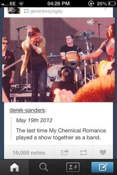 *cries* but excuse me! Look at the name of the person. 'Gerardwaysgay'? What the f*ck!?