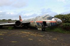 21 Abandoned Airplane Graveyards (Where Aviation History Goes to Die) Abandoned Churches, Abandoned Places, English Electric Canberra, Memories Faded, Military Pictures, Aircraft Pictures, Previous Life, Military Aircraft, Fighter Jets