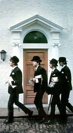 ♫ John, Paul, Ringo, George, 1964 Pic by Photojournalist - www.JohnLaunois.com ♫