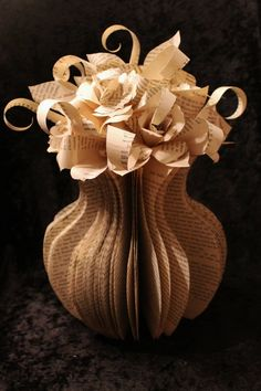 Stupendous Paper Book Sculpture Art to Fill Your Day's Boredom - Decorate Your Home Old Book Crafts, Book Page Crafts, Book Page Art, Paper Crafts, Diy Paper, Folded Book Art, Paper Book, Recycled Books, Recycled Art