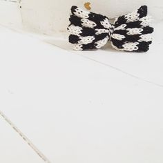 On your mark  #monochrome #minichrome #minibowtini #knitted #monochromekids #kidsfashion