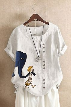 Short Sleeve Casual Cartoon Print T-shirt For Women look chipper and natural. NewChic has a lot of women T-shirts online for your choice, believe you will find your cup of tea. Blouses For Women, T Shirts For Women, Linen Tshirts, Style Casual, Casual Tops, Crew Neck Shirt, Loose Tops, Tunic Shirt, Couture