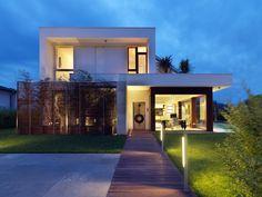 Para quem deseja saber mais sobre lajes, poderá conferir logo abaixo 53 modelos de casas com laje e se inspirar para a construção de sua casa.