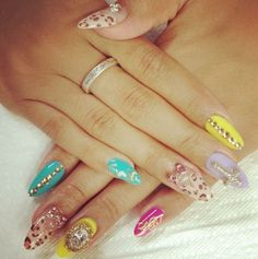 I would get all nails in this pretty leopard design :D
