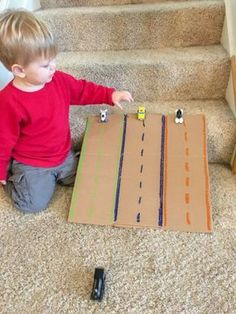 Ne jetez plus vos cartons, coloriez-les ! Activité enfant facile, course voitures - car ramp Try these Indoor Activities For Toddlers on cold winter or rainy summer days. They will help with fine motor skills & can be made harder for preschoolers. Indoor Activities For Toddlers, Toddler Learning Activities, Infant Activities, Preschool Activities, Kids Learning, Summer Activities, Interactive Games For Toddlers, Diy Toys For Toddlers, Activities For 3 Year Olds