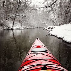 Kayaking during a light snowfall on the Des Plaines River - Illinois Kayak Camping, Canoe And Kayak, Kayak Fishing, Kayaks, Outdoor Life, Outdoor Fun, Kayak Paddle, Kayak Adventures, Parkour