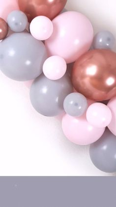 Looking to create your own DIY balloon arch and balloon garland for a baby shower, wedding, hen do birthday or engagement party?  Follow our DIY balloon arch guide to make balloon arches and to find out whether it can be made the night before. #howtomakeaballoonarch #howtomakeaballoongarland #balloontips #balloondisplay #diyballoonarch #balloonarchtips #rosegoldballoonarch #rosegoldballoons #balloonarchforbabyshower #babyshowerballoonarch #balloonarches #ballooninspo #babyshowerinspo Balloon Arch Diy, Balloon Display, Balloon Backdrop, Balloon Columns, Balloon Garland, Balloon Arrangements, Balloon Centerpieces, Baby Shower Centerpieces, Balloon Decorations