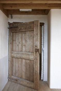 ideas old wood rustic wooden doors Rustic Doors, Wooden Doors, Interior Barn Doors, Exterior Doors, Cottage Door, Barn Renovation, Farmhouse Remodel, Old Farm Houses, Oak Doors