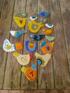 Aves cerámica EB!!!! Clay Art Projects, Ceramics Projects, Clay Crafts, Arts And Crafts, Clay Birds, Ceramic Birds, Sailboat Craft, Glass Christmas Decorations, Pottery Animals