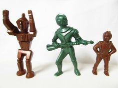 Archer Spacemen & Robot Green Brown Hard Plastic Toy Space Figures