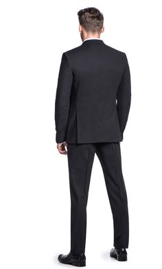 Dopasowany (slim fit) czarny garnitur SALERNO + ADAM w to elegancka propozycja dla mężczyzn, którzy noszą garnitur na co dzień. 100%…