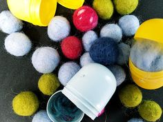 Heidi did it: Pääsiäismunasta huovutuskone Easter Eggs, Blueberry, Diy And Crafts, Felt, Handmade, Google, Inspiration, Biblical Inspiration, Berry