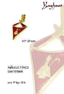 Precioso fetiche del pañuelo típico de los San Fermines. Ideal para regalar como un recuerdo de esta festividad.