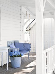 My dream porch. I could live on this porch. No house. Just porch. Small Front Porches, Front Porch Design, Decks And Porches, Porch Designs, Veranda Design, White Porch, Sweden House, Porch Veranda, Beach Cottages