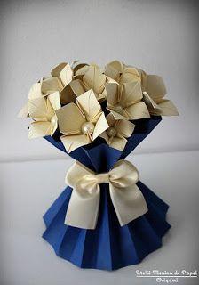 Centros de mesa de papel con forma de jarrón tutorial ~ cositasconmesh