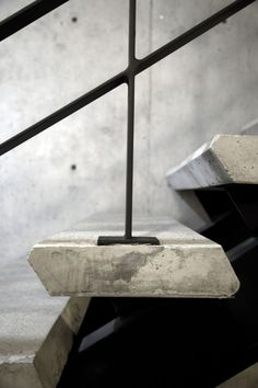 New black stairs concrete Ideas Staircase Handrail, Stair Railing, Banisters, Railing Design, Staircase Design, Railing Ideas, Architecture Details, Interior Architecture, Interior Design