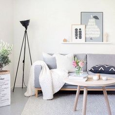 Фотография:  в стиле , Скандинавский, Декор интерьера, декор в скандинавском стиле, скандинавский модерн, как оформить квартиру в стиле скандинавский модерн, гостиная в скандинавском стиле, как оформить спальню в скандинавском стиле – фото на InMyRoom.ru