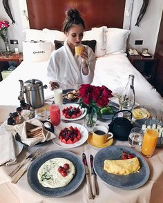 Messy hair, bathrobe and a big breakfast at @parkhyattparis ❤️#ParkHyattParis #MyLuxeList