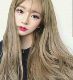 Pin by ♡ barbie stargirl ♡ on ulzzang girlz ♡ in 2019 włosy Blonde Color, Hair Color, Korean Girl, Asian Girl, Ulzzang Hair, Ulzzang Makeup, Blonde Asian, Kawaii Makeup, Anime Makeup