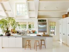 The recipe for a dream kitchen, according to Waterworks's Barbara Sallick All White Kitchen, Red Kitchen, Seaside Getaway, Waterworks, Cabinet Styles, Custom Cabinets, Decoration, Home Kitchens, Countertops